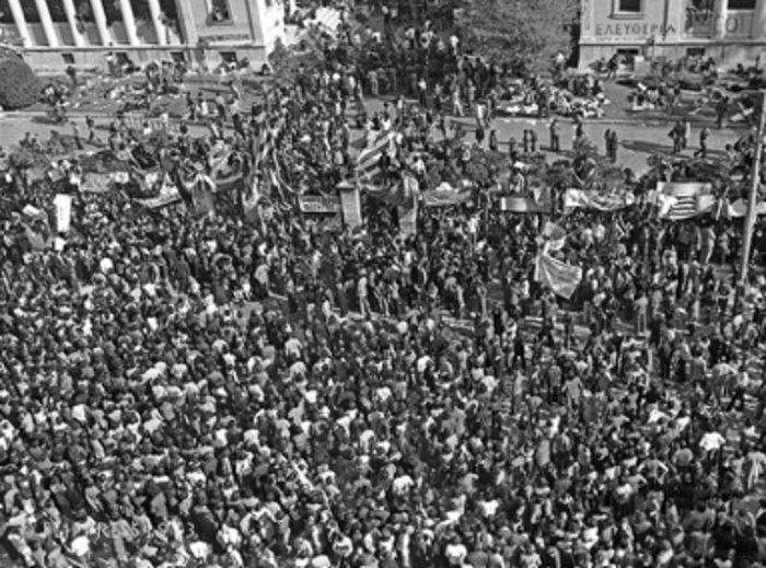 «Τη μέρα που κάλυψα το Πολυτεχνείο»:Ντοκουμέντα από το αρχείο Κοντογεώργου - εικόνα 5