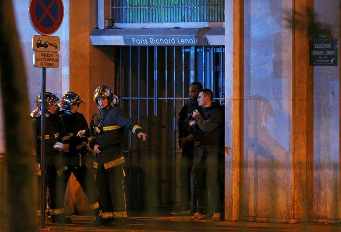 Γαλλία και κόσμος σε σοκ: Αυτή τη φορά είναι πόλεμος - εικόνα 8