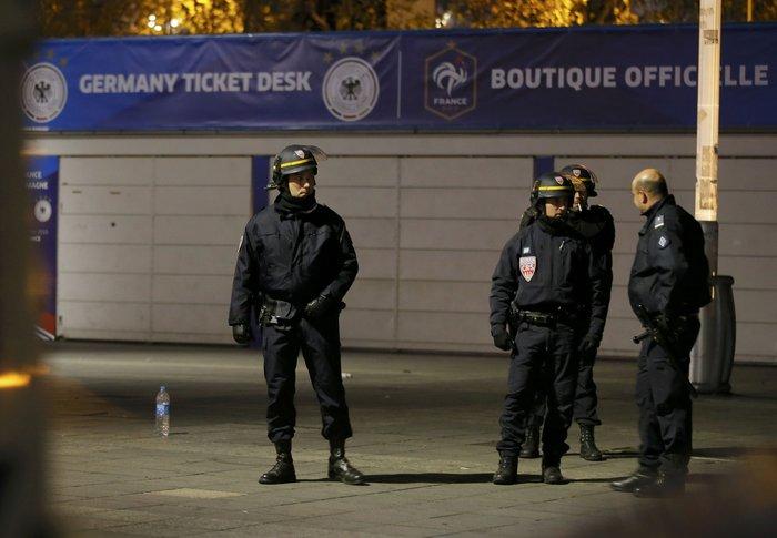 Γαλλία και κόσμος σε σοκ: Αυτή τη φορά είναι πόλεμος - εικόνα 15