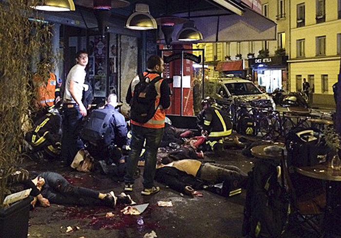 Γαλλία και κόσμος σε σοκ: Αυτή τη φορά είναι πόλεμος - εικόνα 3