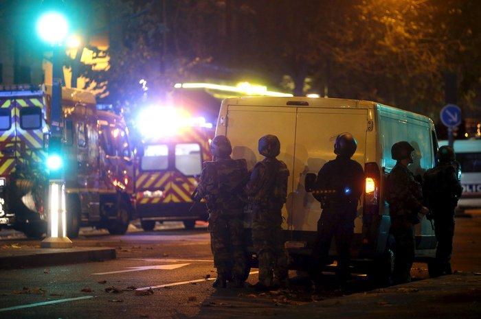 Καρέ καρέ η νύχτα του τρόμου στο Παρίσι -Φωτογραφίες και Βίντεο - εικόνα 11