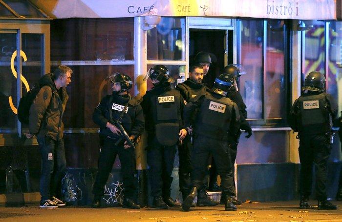 Καρέ καρέ η νύχτα του τρόμου στο Παρίσι -Φωτογραφίες και Βίντεο - εικόνα 13