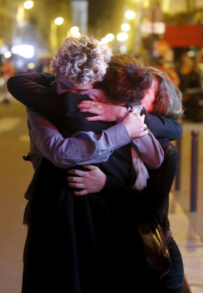Καρέ καρέ η νύχτα του τρόμου στο Παρίσι -Φωτογραφίες και Βίντεο - εικόνα 16