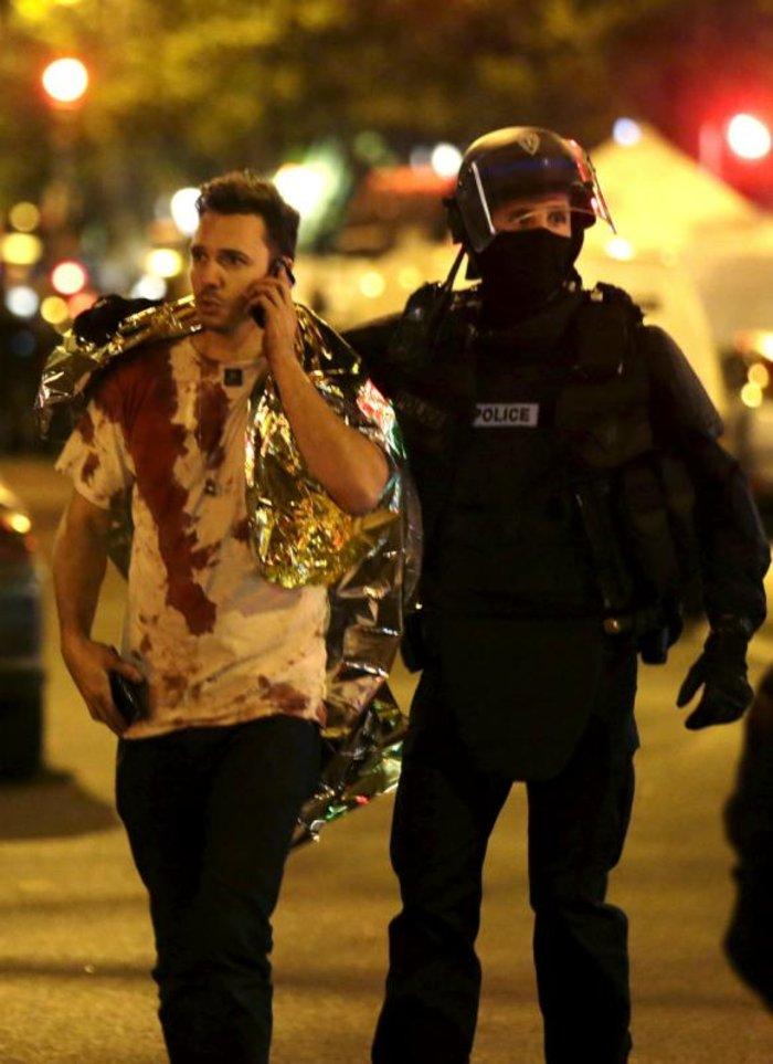 Καρέ καρέ η νύχτα του τρόμου στο Παρίσι -Φωτογραφίες και Βίντεο - εικόνα 2