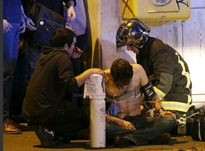 Καρέ καρέ η νύχτα του τρόμου στο Παρίσι -Φωτογραφίες και Βίντεο - εικόνα 3