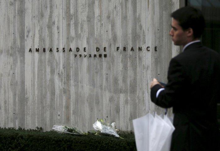 «Αστακός» η Γαλλία-Μέτρα σε όλο τον πλανήτη - εικόνα 3