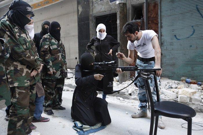 Εκπαίδευση γυναικών από μέλη του ISIS