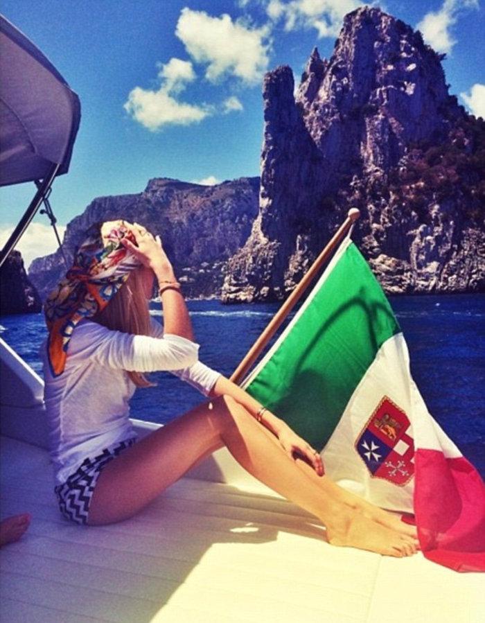 Γνωρίστε την 19χρονη «ελληνίδα πριγκίπισσα» που λατρεύουν οι Βρετανοί - εικόνα 18