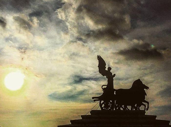Αθηνά Οικονομάκου: Ερωτευμένη και πανέμορφη στην «Αιώνια Πόλη» - εικόνα 7