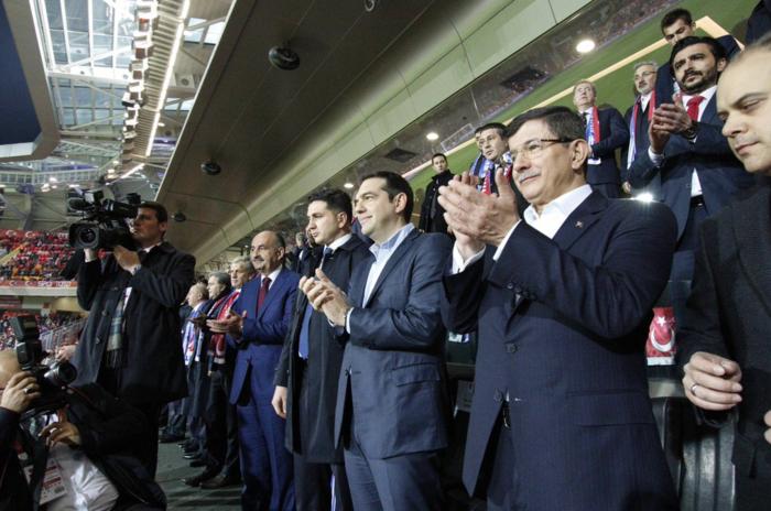 Μαζί στο γήπεδο Τσίπρας- Νταβούτογλου στην Κωνσταντινούπολη - εικόνα 2