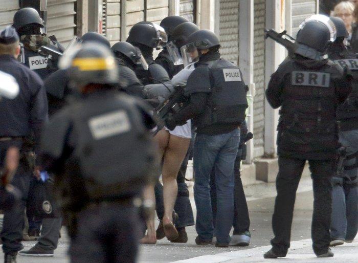 Γυμνό συνέλαβαν τον τρομοκράτη στο διαμέρισμα - εικόνα 2