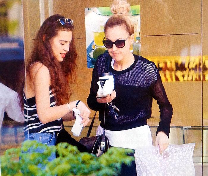 Δείτε την 19χρονη κόρη της Τάμτα: Μοιάζουν σαν δίδυμες αδελφές! - εικόνα 2