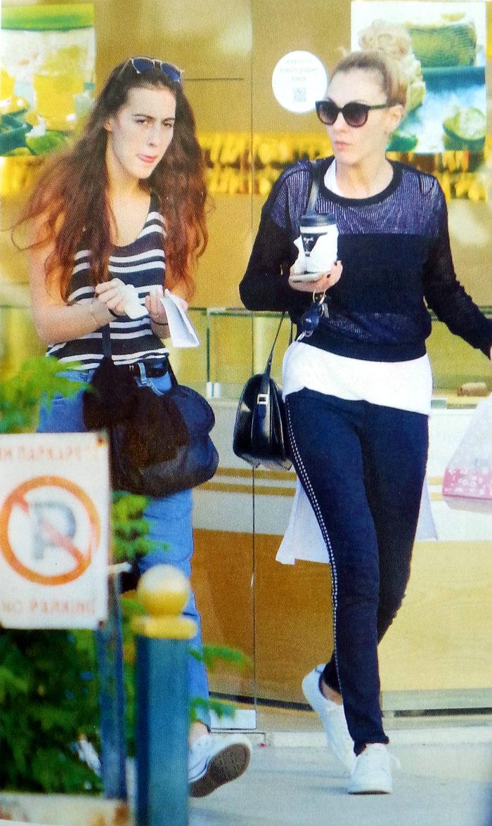 Δείτε την 19χρονη κόρη της Τάμτα: Μοιάζουν σαν δίδυμες αδελφές! - εικόνα 3