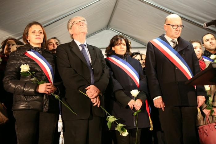 3.000 λευκά τριαντάφυλλα για τα θύματα του Παρισιού - εικόνα 6