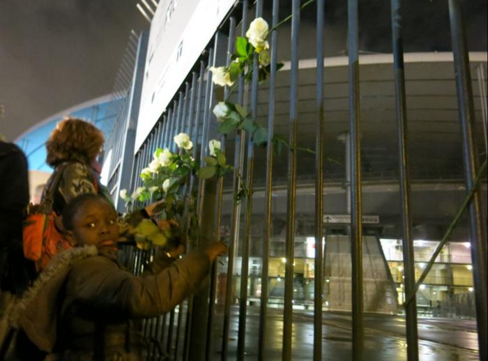 3.000 λευκά τριαντάφυλλα για τα θύματα του Παρισιού - εικόνα 5