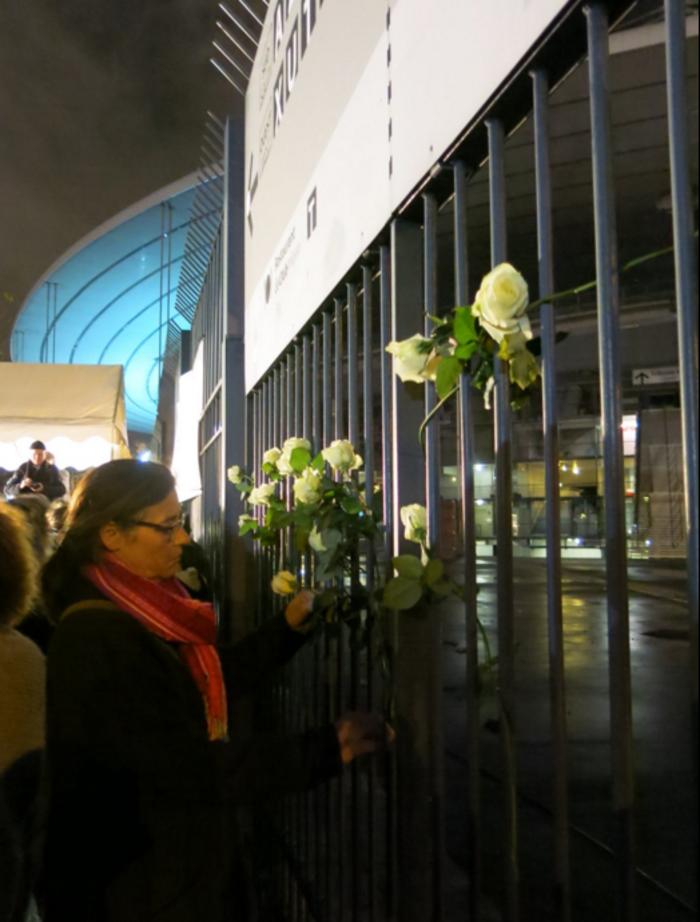 3.000 λευκά τριαντάφυλλα για τα θύματα του Παρισιού - εικόνα 3