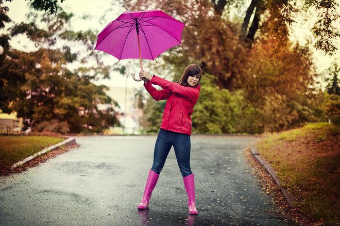 5 βήματα για να κρατάτε την ομπρέλα σας χωρίς να είστε δημόσιος κίνδυνος!