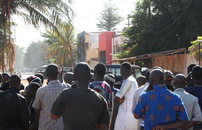 Τριήμερο εθνικό πένθος στο Μάλι μετά το μακαλειό - εικόνα 4