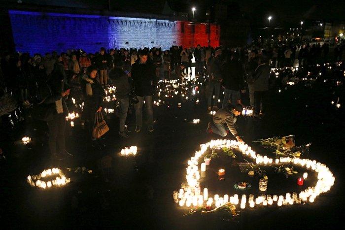Μια εβδομάδα μετά το χτύπημα, η νεολαία του Παρισιού γιόρτασε τη ζωή! - εικόνα 4