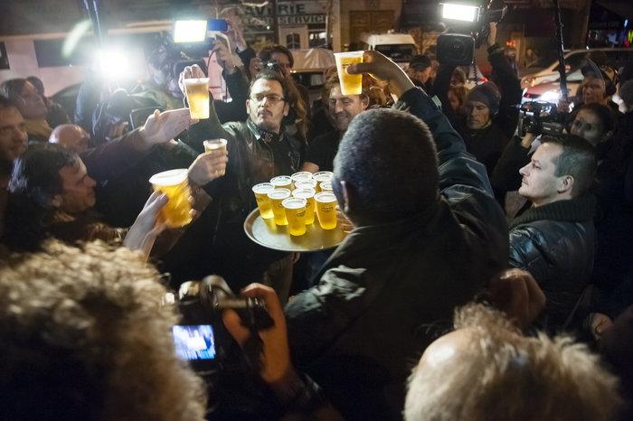 Μια εβδομάδα μετά το χτύπημα, η νεολαία του Παρισιού γιόρτασε τη ζωή! - εικόνα 5