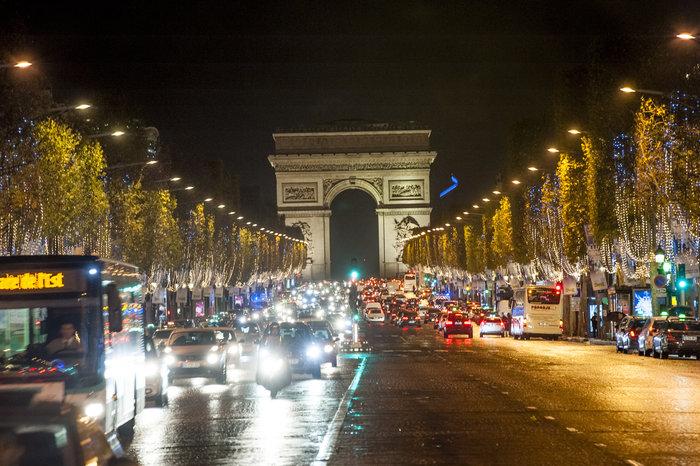 Μια εβδομάδα μετά το χτύπημα, η νεολαία του Παρισιού γιόρτασε τη ζωή! - εικόνα 6