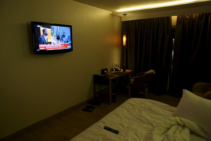 Εικόνες-σοκ από την τρομοκρατική επίθεση στο ξενοδοχείο στο Μάλι - εικόνα 6