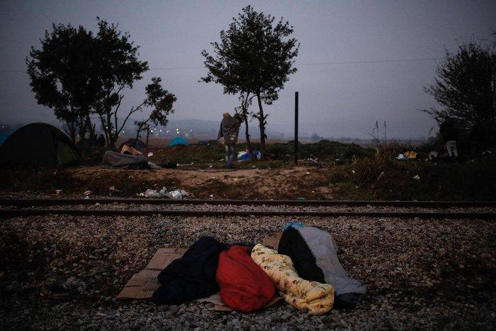 Ειδομένη: Συγκλονιστικές φωτογραφίες από το δράμα των προσφύγων - εικόνα 2