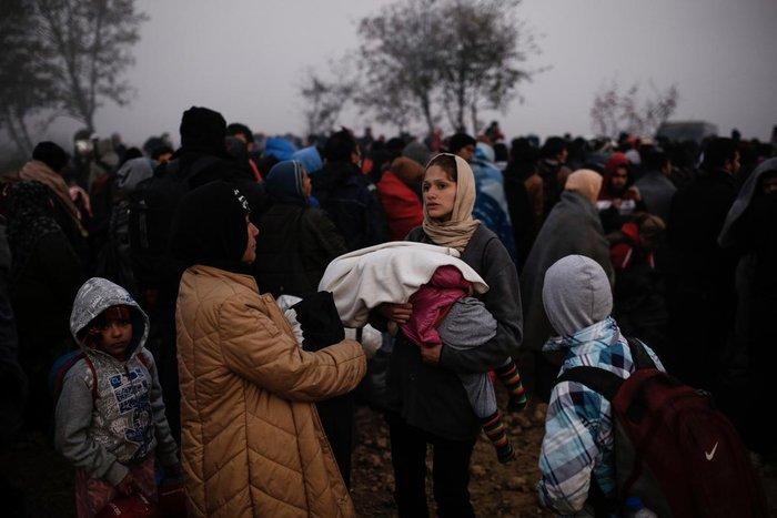 Ειδομένη: Συγκλονιστικές φωτογραφίες από το δράμα των προσφύγων - εικόνα 4