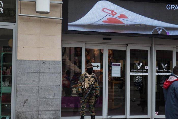 Επιδρομές στο Βέλγιο: 21 συλλήψεις, άφαντος ο Σαλάχ