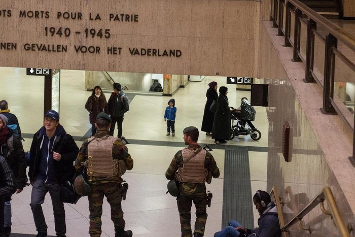 Επιδρομές στο Βέλγιο: 21 συλλήψεις, άφαντος ο Σαλάχ - εικόνα 2