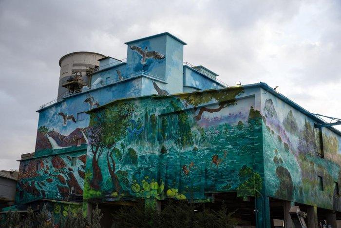 Τα εντυπωσιακά γκράφιτι στο εργοστάσιο της ΤΙΤΑΝ