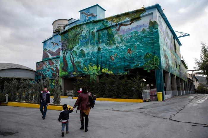 Τα εντυπωσιακά γκράφιτι στο εργοστάσιο της ΤΙΤΑΝ - εικόνα 3