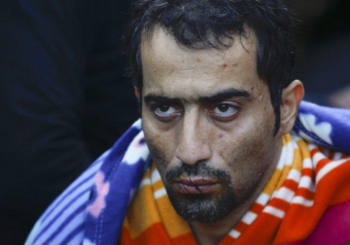 Απόγνωση: Μετανάστες στην Ειδομένη ράβουν τα χείλη τους - εικόνα 3