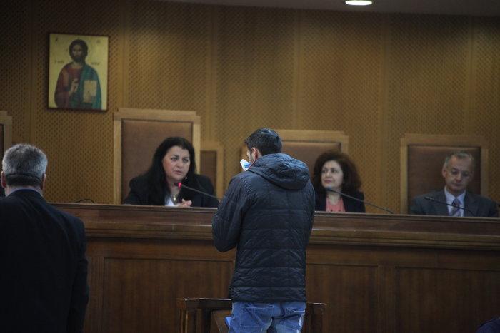 Ξέσπασε σε κλάματα στη δίκη ο φίλος του Παύλου Φύσσα - εικόνα 3