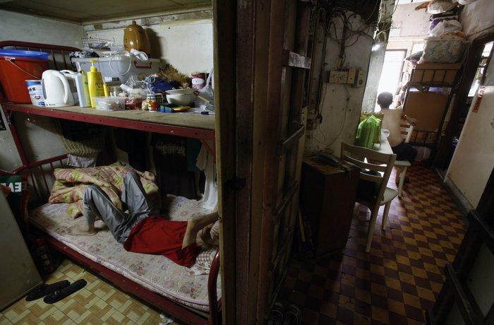 Μέσα στα κλειστοφοβικά σπίτια-φέρετρα του Χονγκ-Κονγκ - εικόνα 2