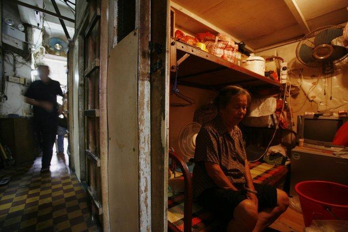 Μέσα στα κλειστοφοβικά σπίτια-φέρετρα του Χονγκ-Κονγκ - εικόνα 4
