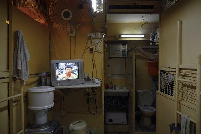 Μέσα στα κλειστοφοβικά σπίτια-φέρετρα του Χονγκ-Κονγκ - εικόνα 5