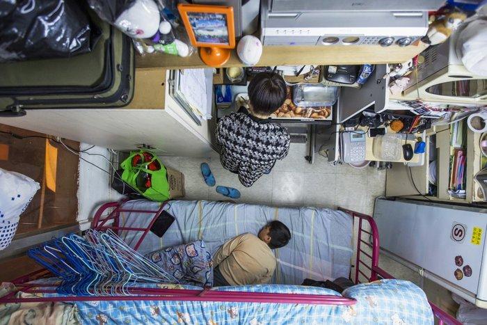 Μέσα στα κλειστοφοβικά σπίτια-φέρετρα του Χονγκ-Κονγκ - εικόνα 8