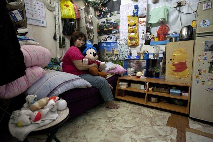 Μέσα στα κλειστοφοβικά σπίτια-φέρετρα του Χονγκ-Κονγκ - εικόνα 12