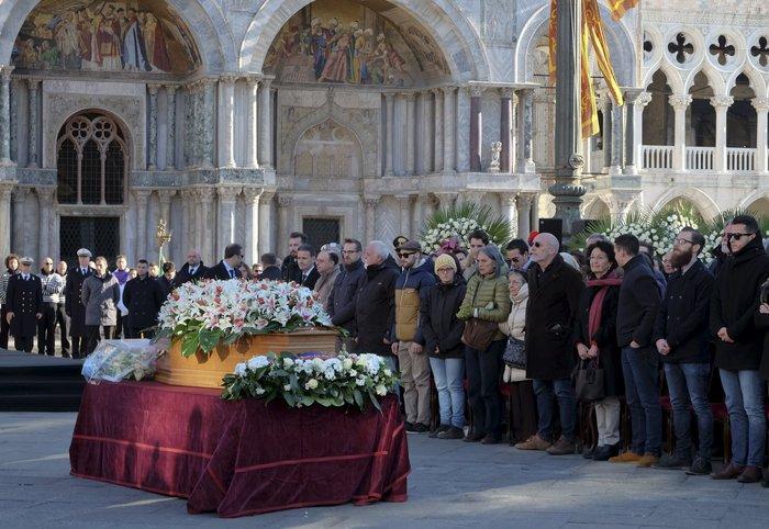 Θρήνος στη Βενετία για 29χρονη θύμα στο Μπατακλάν - εικόνα 2