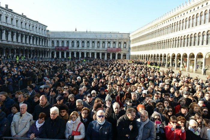 Θρήνος στη Βενετία για 29χρονη θύμα στο Μπατακλάν - εικόνα 5