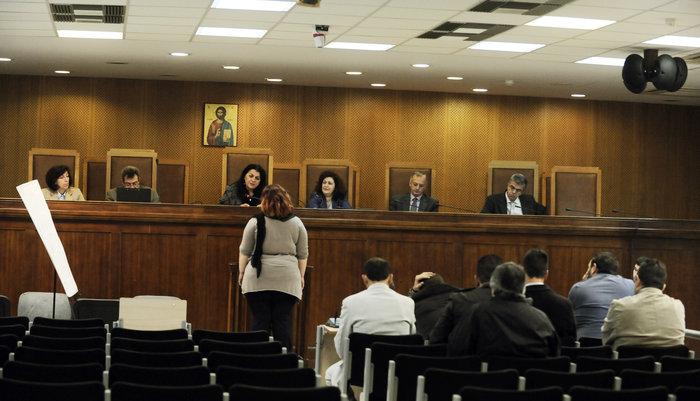 Τρομοκρατούν μάρτυρες οι χρυσαυγίτες κατηγορούμενοι