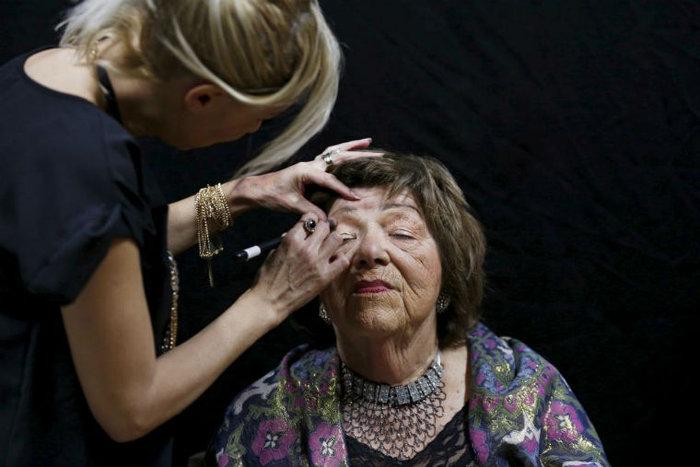 Η προετοιμασία της Stela Krashes, 85 ετών
