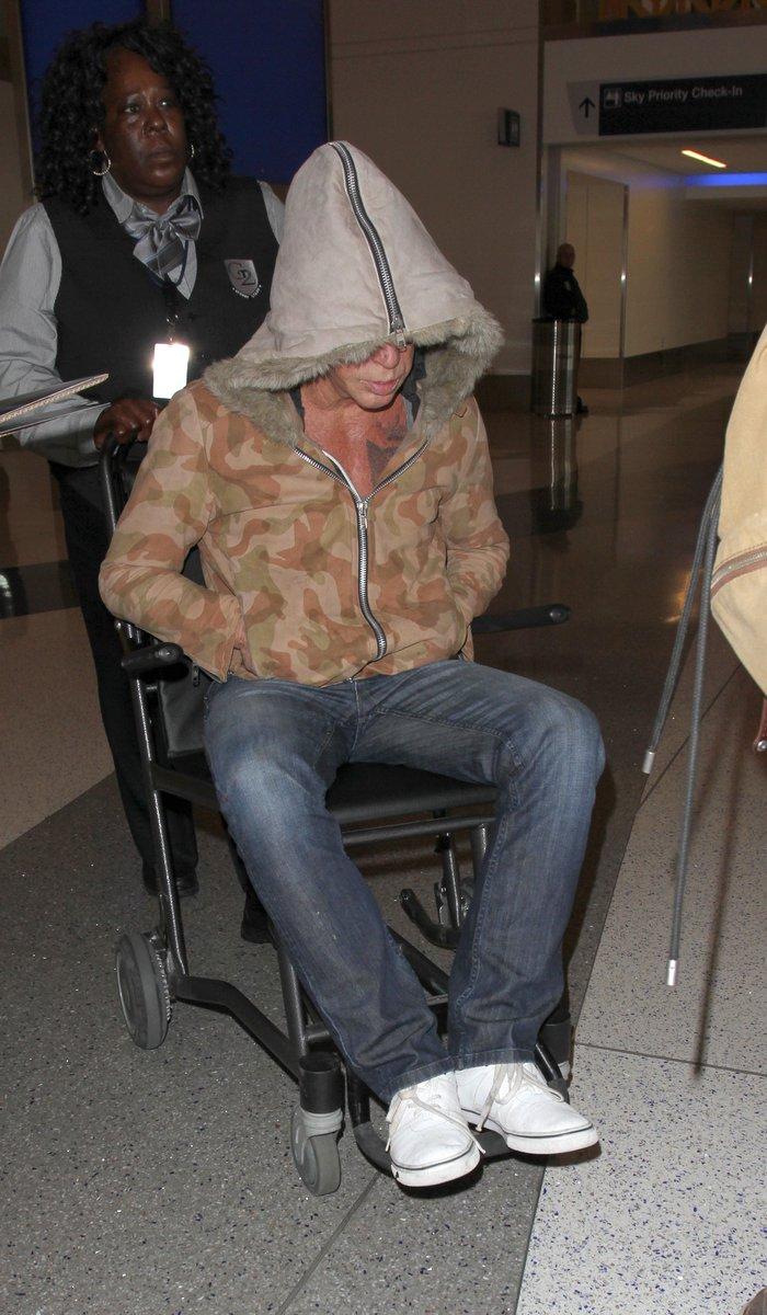 Διάσημος γόης του Χόλιγουντ καθηλωμένος σε αναπηρικό καροτσάκι-Ποιος είναι - εικόνα 3