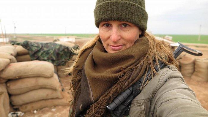 Καλλονή, πρώην μοντέλο από τον Καναδά, πολεμάει εναντίον του ISIS - εικόνα 4