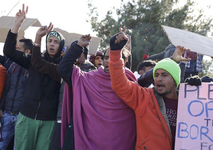 Ειδομένη: Απελπισμένος μετανάστης έπαθε ηλεκτροπληξία - εικόνα 3