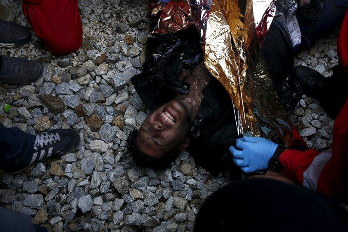 «Εκρηξη» οργής από τους πρόσφυγες στην Ειδομένη για το φράχτη των Σκοπίων