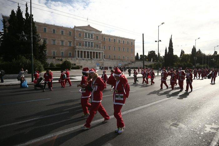 Σήμερα το «2ο Athens Santa Run», κλειστό το κέντρο της Αθήνας - εικόνα 12