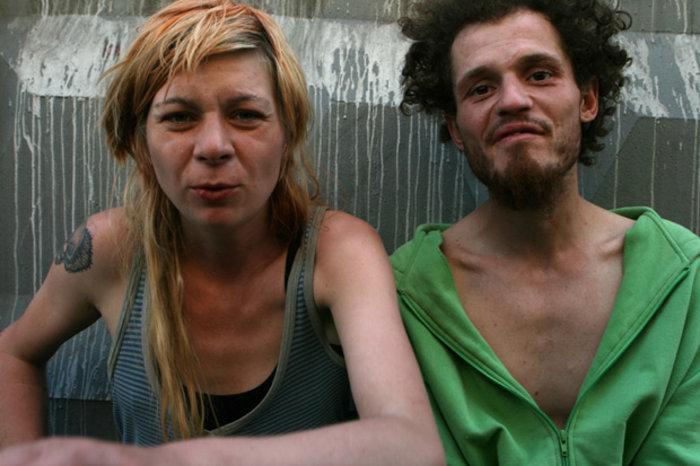 Η Lilya και ο Pasha, Χρόνια εξαρτημένοι από ουσίες και αλκοόλ