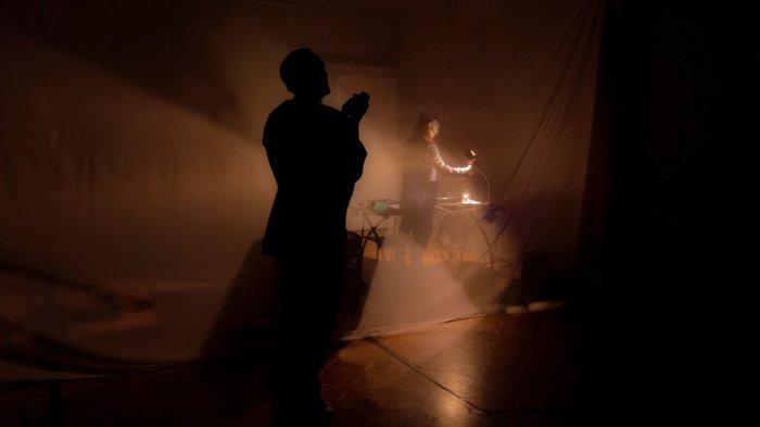 Η Violet Louise ανεβάζει τα «Θέατρα» του Olivier Py